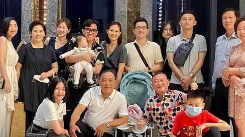 Đại gia đình 3 dòng máu Việt - Hàn - Trung nhà Trấn Thành và Hari Won tụ họp
