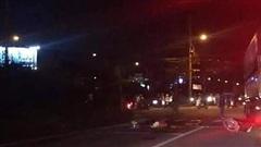 Kinh hãi xe bồn tông người dừng đèn đỏ ở quận 7