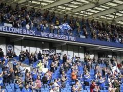 Sân bóng Anh đón khán giả trở lại sau khi dịch COVID-19 bùng phát