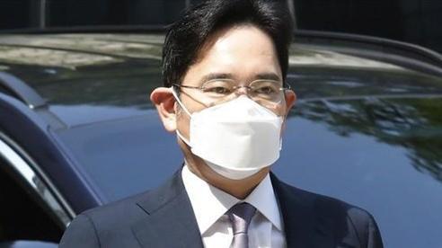 Người thừa kế tập đoàn Samsung bị truy tố