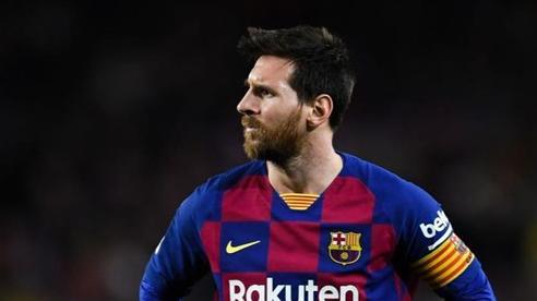 'Messi giờ đá bóng như đi dạo, nhìn quanh sân và chờ bóng đến chân mình'