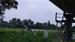 Cột ăng-ten Đài vệ tinh mặt đất Inmarsat đổ sập làm chết 1 người