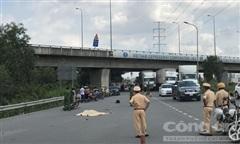 TPHCM: Đi đám ma về, một phụ nữ bị xe container cán tử vong