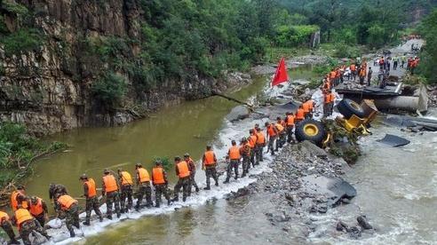 Lũ lụt tồi tệ nhất trong hơn 20 năm, Trung Quốc thiệt hại 29 tỉ USD