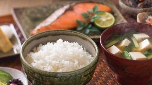 Hóa ra bí quyết sống thọ và trẻ lâu của người Nhật đến từ bữa cơm hàng ngày, đặc biệt là 7 quy tắc 'vàng' không phải người dân quốc gia nào cũng làm được