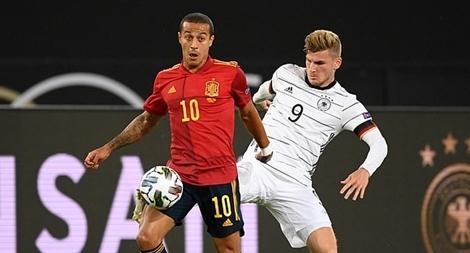 Đức 'đánh rơi' chiến thắng trước Tây Ban Nha