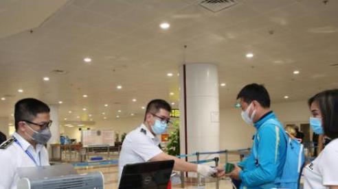 Hà Nội khẩn trương xây dựng quy trình cách ly thu phí người nhập cảnh