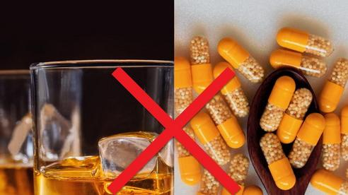 Uống rượu bia khi sử dụng thuốc giảm đau, hạ sốt: Coi chừng ngộ độc