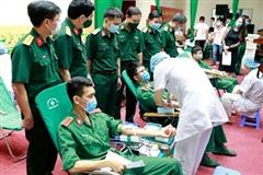 Hơn 600 học viên, đoàn viên thanh niên Học viện Quân y tham gia hiến máu, cứu người