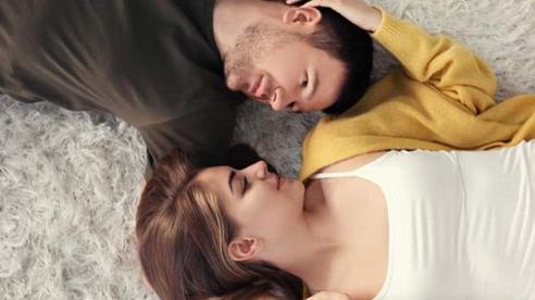 Biểu hiện của đàn ông yêu thật lòng khi quan hệ: Chị em tinh ý sẽ biết ngay từ đặc điểm đầu tiên