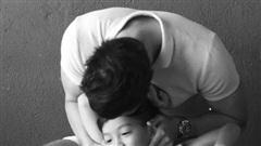 Kim Lý đăng ảnh 3 năm trước với Subeo, Hà Hồ bình luận một câu mở ra nhiều bí mật
