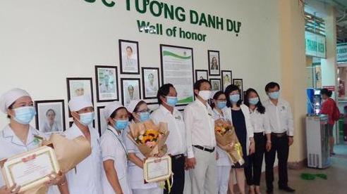 'Bức tường danh dự' vinh danh nhân viên y tế