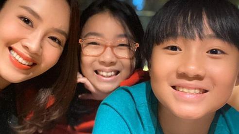 Con trai, con gái Hồng Diễm thừa hưởng nét đẹp của cả cha lẫn mẹ
