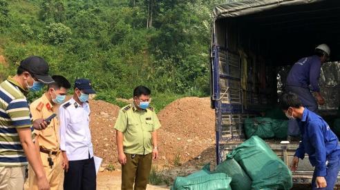 Lào Cai bắt giữ, tiêu hủy 720 kg nầm lợn và trứng gà non không có giấy tờ hợp pháp