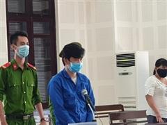 Lĩnh 28 năm tù vì hiếp dâm 2 con riêng của vợ hờ