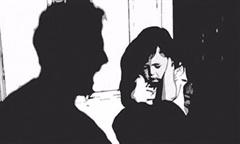 Nghi án cha xâm hại con gái 15 tuổi, bị bắt đúng 49 ngày vợ mất