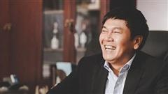 Vì sao dù là Chủ tịch tập đoàn lớn nhưng tỷ phú Trần Đình Long hàng ngày vẫn ngồi uống cà phê với bạn dưới bụi tre hơn 20 năm?