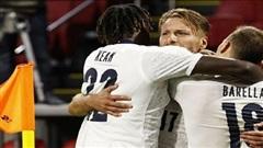 Thắng Hà Lan, Italia chiếm ngôi đầu bảng