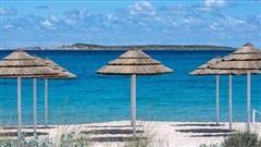 Khách du lịch lấy cát ở bãi biển Italy bị phạt hơn 1.000 USD