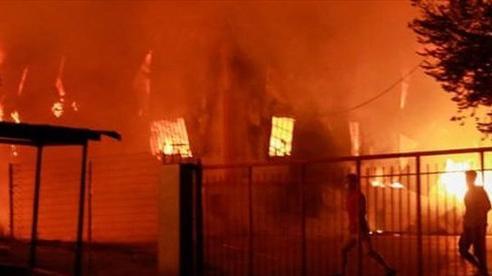Hỏa hoạn tại trại tị nạn, nơi đang bị phong tỏa vì dịch COVID-19