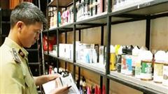Hà Nội: Kiểm tra quán cà phê, phát hiện lượng lớn thuốc lá điện tử không rõ nguồn gốc