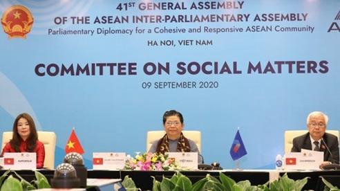 Ứng phó với đại dịch COVID-19: ASEAN vẫn mạnh mẽ và tự cường