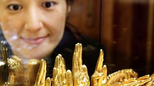 Chuyên gia cảnh báo việc đổ xô mua vàng: Có thể ôm lỗ lớn