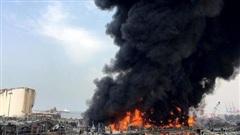Cảng Beirut lại bùng cháy dữ dội chỉ vài tuần sau vụ nổ thảm họa từng khiến hàng nghìn người thương vong
