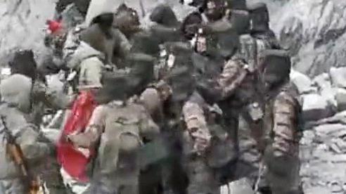 Lộ video binh sĩ Trung - Ấn 'giáp lá cà' ở biên giới tranh chấp