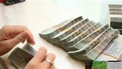 Kẹt tiền, doanh nghiệp bất động sản huy động với lãi suất không tưởng