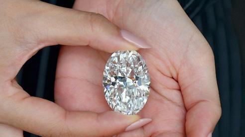 Đấu giá kim cương trắng quý hiếm tại Hong Kong