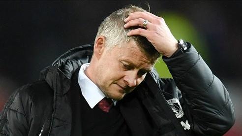 Cận kề khai màn, nhân sự Man United vẫn 'rối như tơ vò'