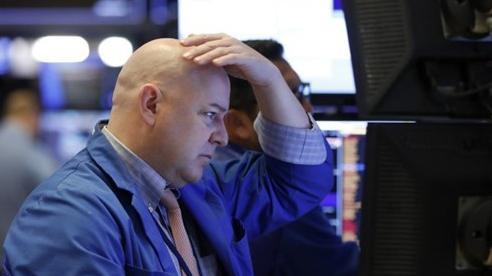 Nhà đầu tư tháo chạy khỏi cổ phiếu công nghệ, Nasdaq có tuần tồi tệ nhất kể từ tháng 3