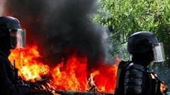Người biểu tình trở lại, Paris rực lửa