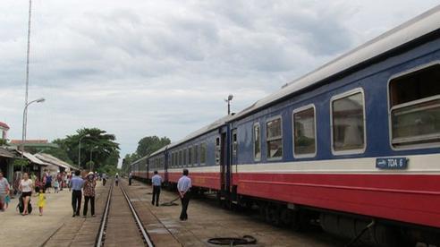 Chạy lại tàu du lịch Hà Nội - Lào Cai sau hơn một tháng tạm dừng
