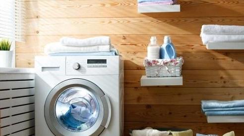 Nhiều người không biết công dụng 'cửa' ở góc dưới bên phải của máy giặt