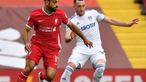'Sát thủ' Salah lập hat-trick, Liverpool thắng nhọc tân binh