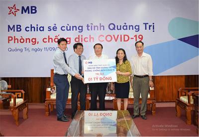 Ngân hàng TMCP Quân đội ủng hộ tỉnh Quảng Trị 1 tỷ đồng chống dịch Covid-19