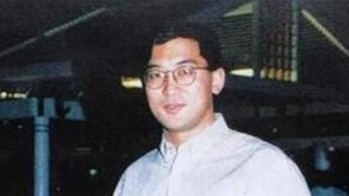 Thiên tài Vật lý 17 tuổi được nhận vào Harvard, làm giáo sư khi mới ngoài 30 đột ngột tự tử