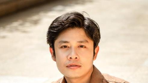 Nhạc sĩ Nguyễn Văn Chung tiết lộ đang vùi đầu vào công việc để vượt qua nỗi buồn của chính mình