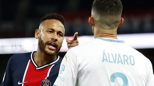 Nhận thẻ đỏ, Neymar hối tiếc vì không đánh đối phương