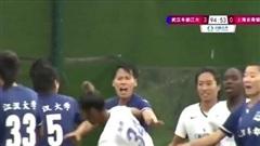 Nữ cầu thủ Trung Quốc ẩu đả, biến sân cỏ thành võ đài