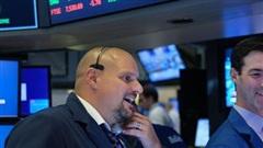 Lạc quan trước một loạt thông tin về vắc-xin Covid-19, cổ phiếu công nghệ hồi phục mạnh, Dow Jones tăng hơn 300 điểm