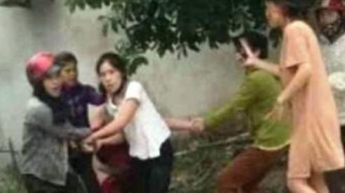Người phụ nữ bị đánh lột đồ: Người sành điệu
