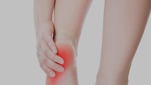 Triệu chứng thường gặp khi bị đau gót chân