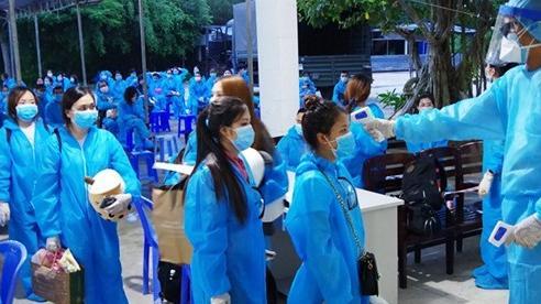 Cách ly y tế 146 công dân Việt Nam về từ Singapore