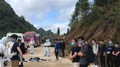 Trao trả 17 công dân Trung Quốc nhập cảnh trái phép