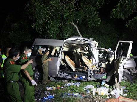 Khởi tố tài xế giao phụ xe điều khiển xe gây tai nạn làm 8 người chết