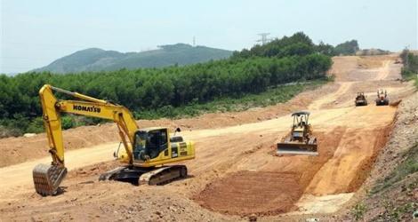 Mở thầu 13 gói thầu xây lắp tại 3 dự án cao tốc Bắc - Nam chuyển đổi