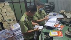 Thu giữ hàng tấn sách giả nguồn gốc NXB Giáo dục Việt Nam